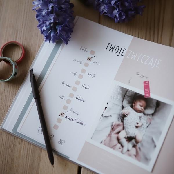 """Album na zdjęcia dla dziecka """"Moja historia"""" Róż"""